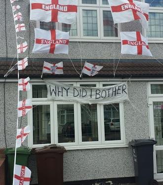 Engelsk fodboldfan smider håndklædet iringen