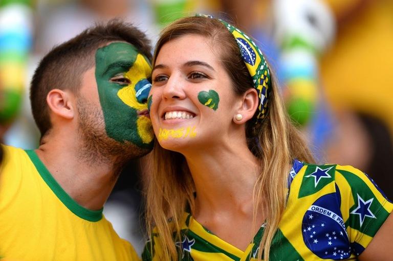 Brazil-football-fans-2