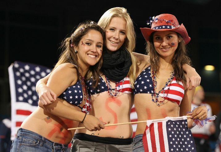 hot-female-american-soccer-fans