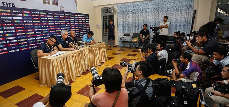 """Japan vinder 2-0 over Cambodia på et fyldt """"olympiskstadion"""""""
