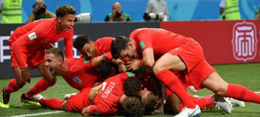 Englands første VM kamp var en hyggelig affære – de vandtendda!